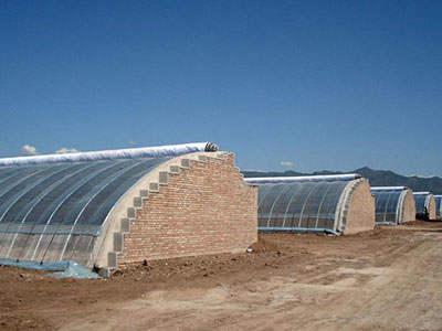 新型日光温室与普通温室相比的优点